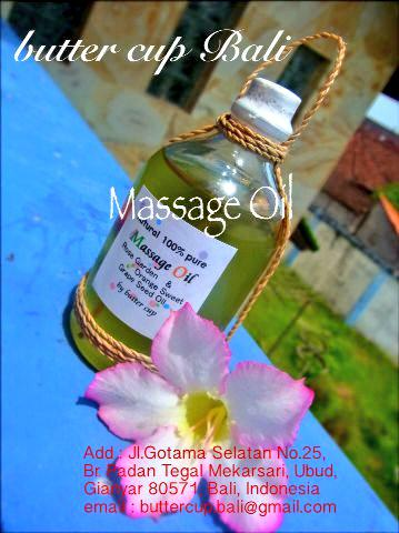 Our massage oil made from grape seed oil. This oil ingredient is Vitamin E. It's good for anti aging #Ubud #Balipic.twitter.com/yMR5VqfcrM