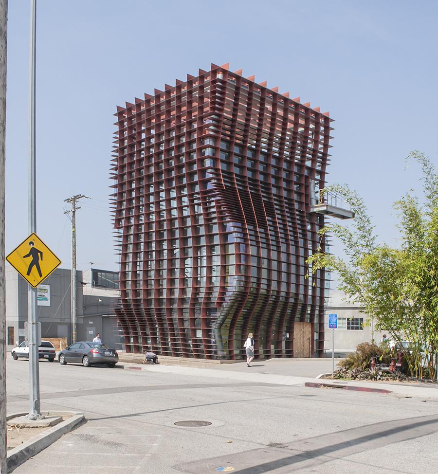 a description of eric owen moss in architecture Project description eric owen moss's latest project in the hayden tract district of culver city, calif, is set to begin construction before the end of the year sited at foundation content—a chicago-based media, production, and graphic design company—waffle will provide flexible spaces to be used for meeting rooms, a gallery, or possibly.