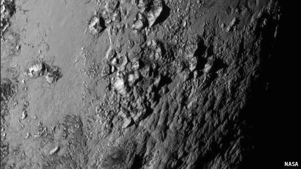 Astronomia: affascinante Plutone, astronomi sorpresi dalla fotografie del pianeta inviate da New Horizons