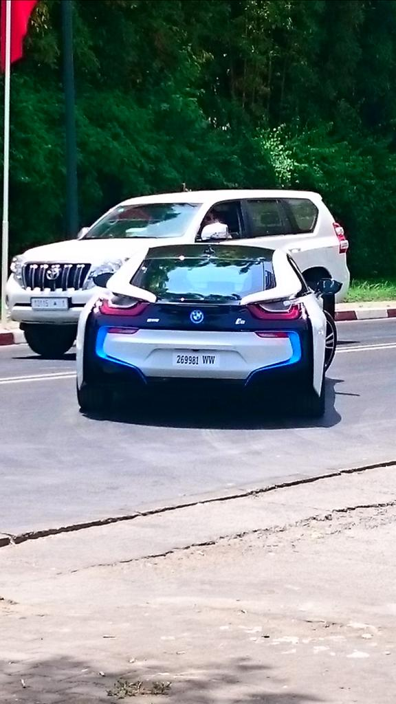 BMW I8 spotted http://t.co/Noffu3yUzl