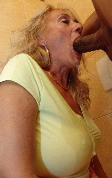 Deepthroat mature woman