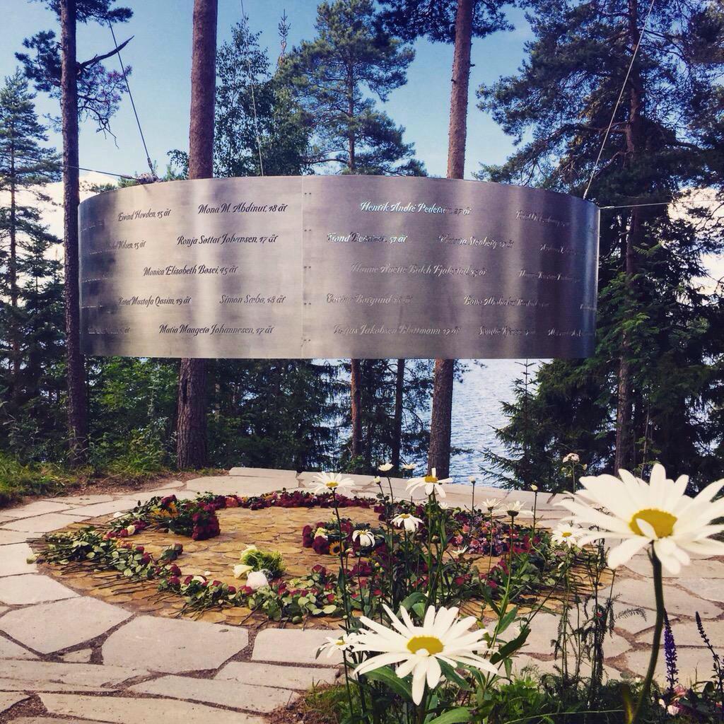 Vi lover å aldri glemme.   #22juli http://t.co/4y2wczUNQ4