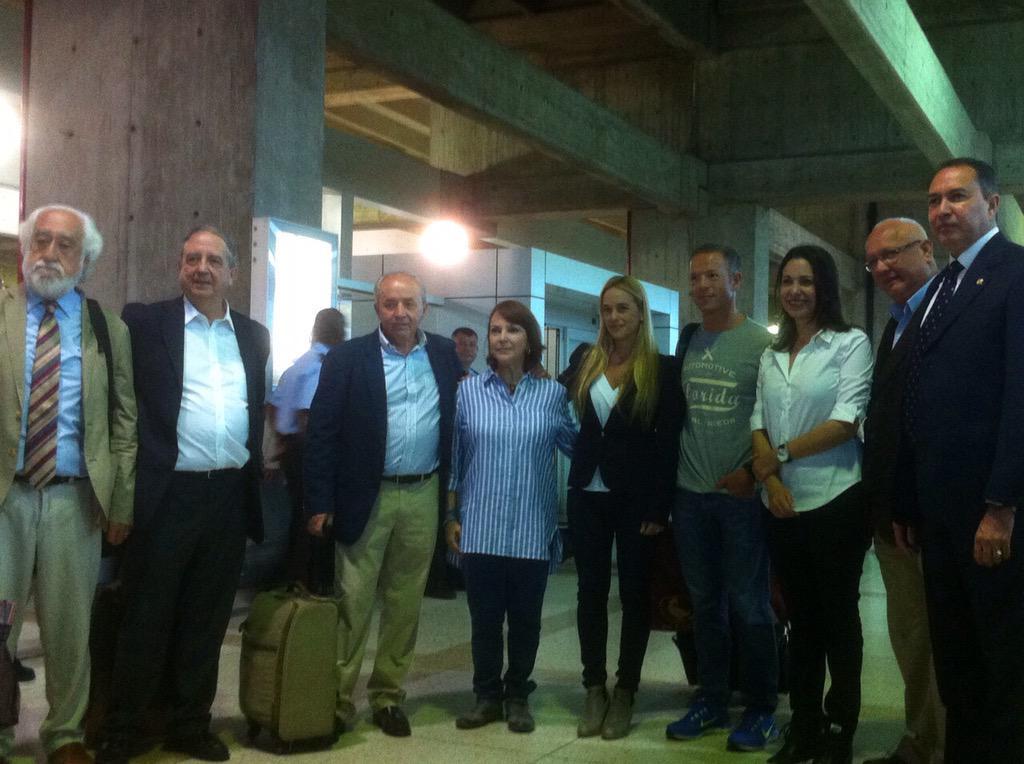 Bienvenidos a Venezuela Senadores de España;agradecidos por su respaldo a la causa por nuestra democracia! http://t.co/OTevhsLm1d