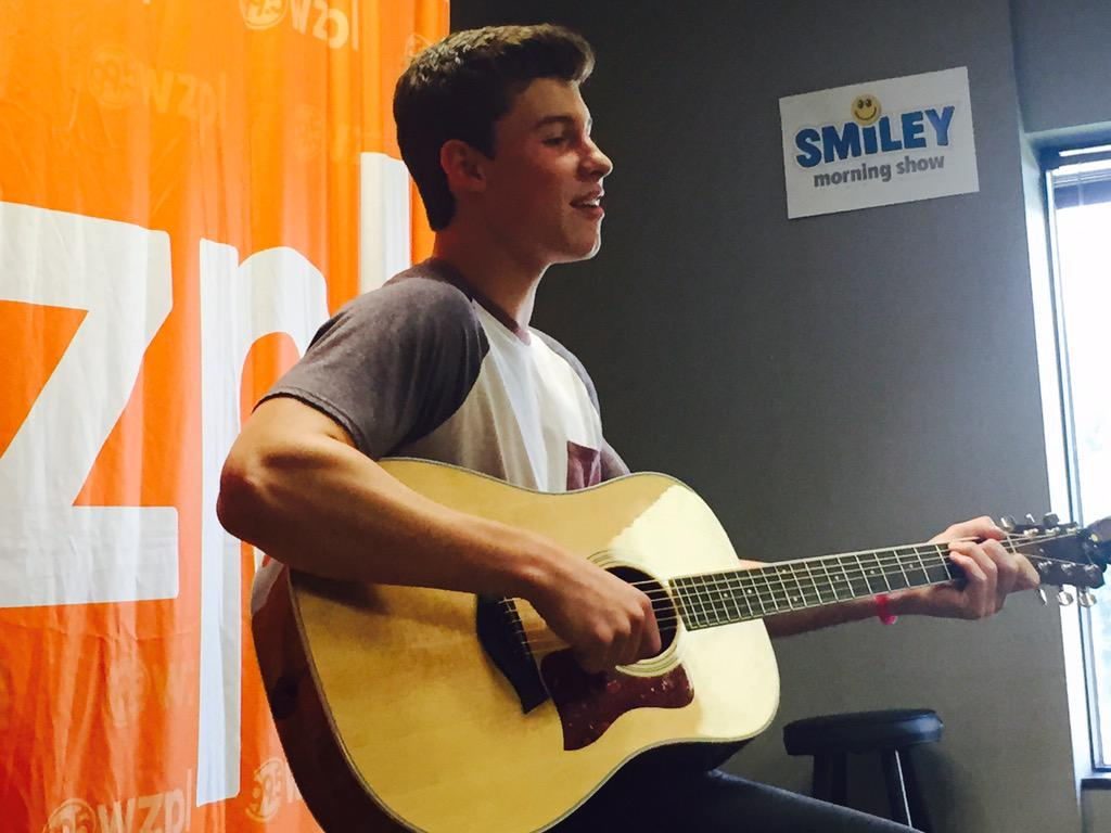 Maybe the nicest person ever @ShawnMendes #lifeoftheparty #zplAllAccessSummer http://t.co/wjljZzWdMl