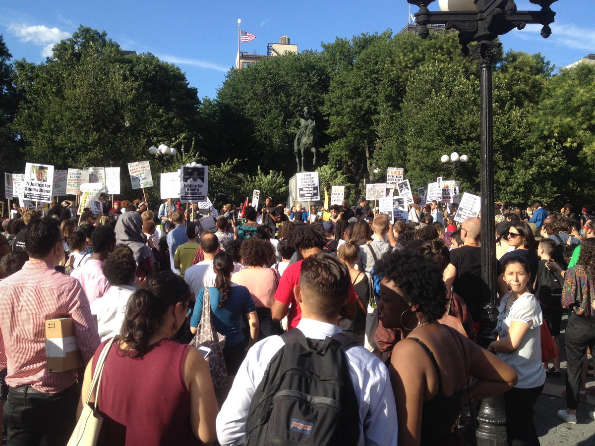 Union Square. NYC. #SandraBland #SayHerName http://t.co/frV6BzrNAW