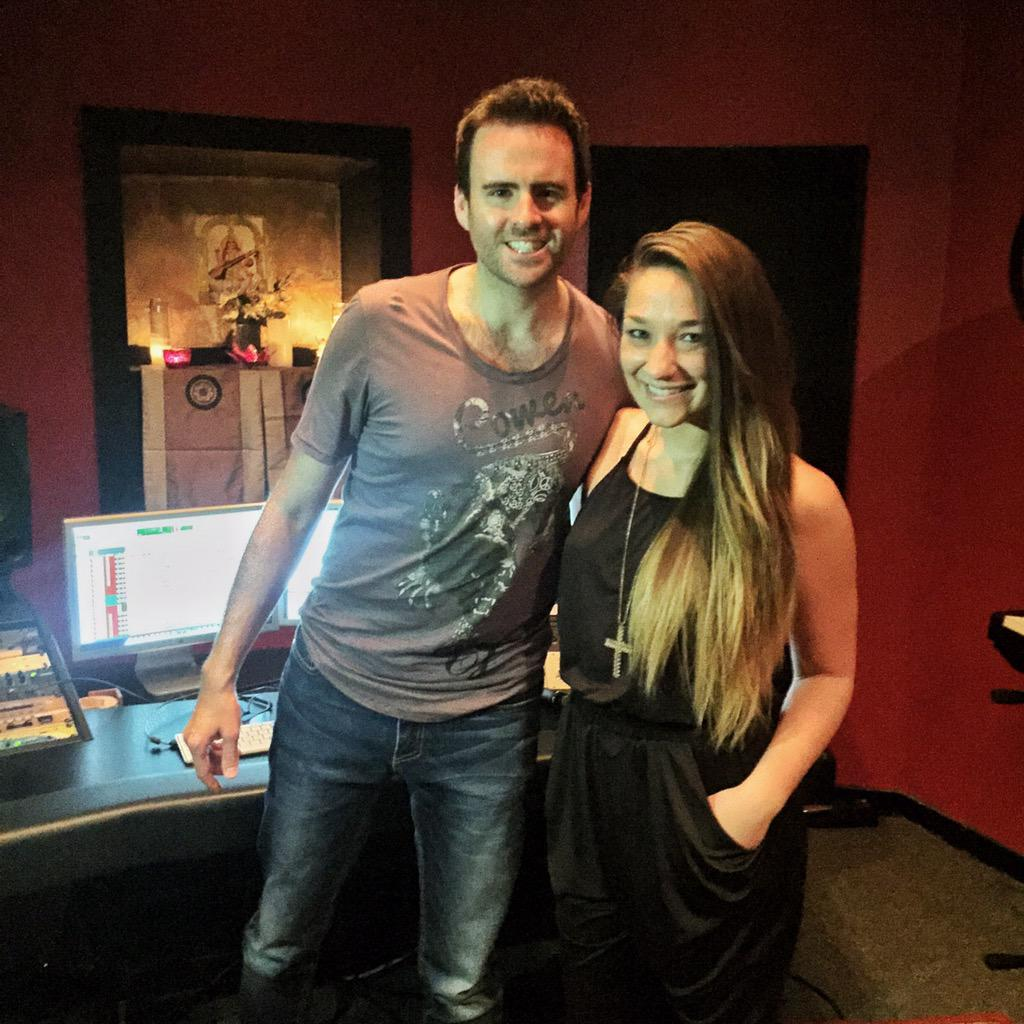 Happy Birthday to this superstar @IAMKarraMusic   Thanks for spending it in the studio with me! 👊🏼 http://t.co/PGBGtEV5RO