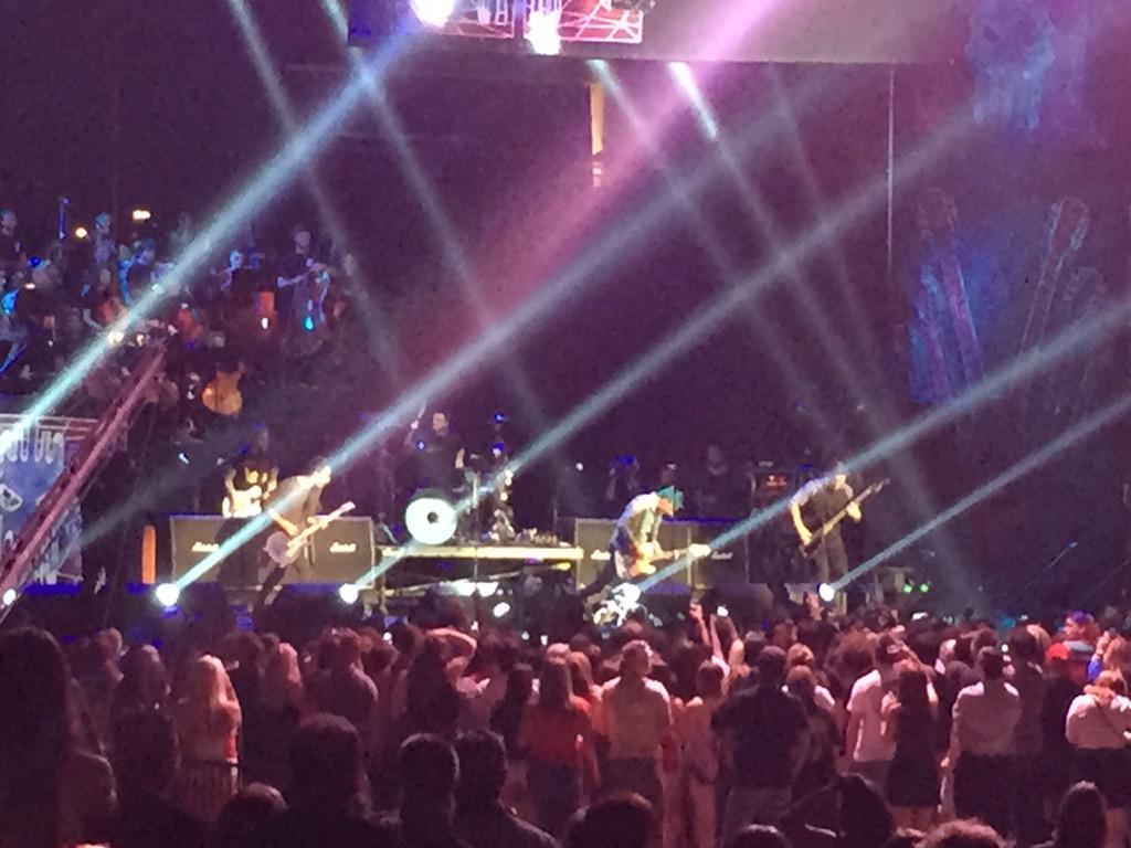 . @AllTimeLow kicks off the @AltPress #APMAs in #Cleveland! #ThisisCLE http://t.co/Q5Z6KuP2iI