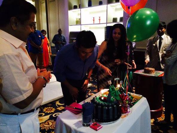Suriya-celebrates-birthday-with-family