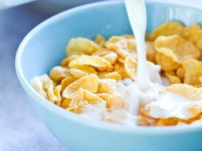 Learn how to choose a healthier cereal (it's possible!): http://t.co/MFTbN5NeZk. http://t.co/pdQiwea5XM
