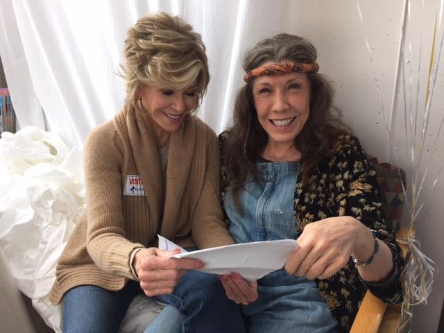 .On set with @LilyTomlin Learning lines, and laughing of course. #GraceAndFrankie #NETFLIX #Season2 http://t.co/jcPYLOe0gW