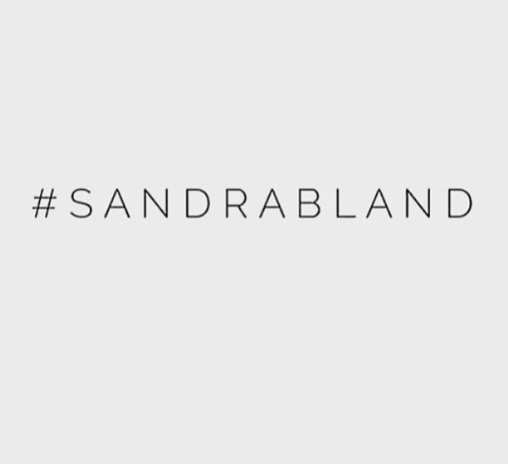 Sandra Bland.... #SayHerName #SandraBland http://t.co/5jhhSm2cfd