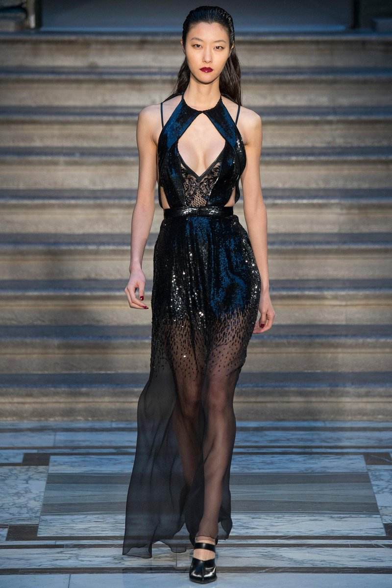 Kate hudson wore a #julienmacdonald fall 2015 dress to the ...