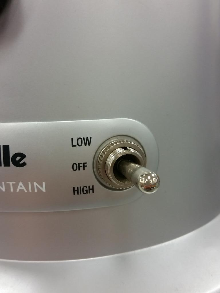 I.. High is low and low is high. #designfail #oops http://t.co/wOmK84xfhJ