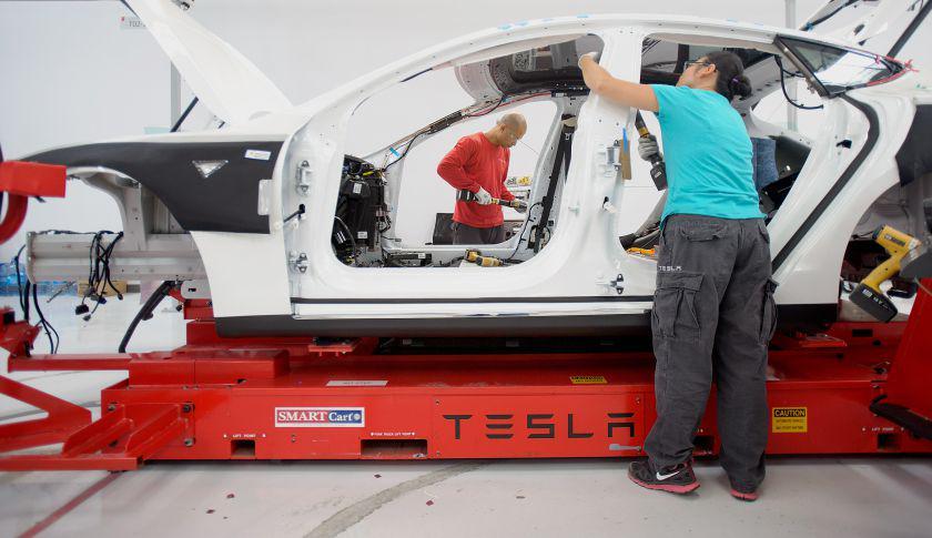 Tesla Motors, il futuro delle Auto e' elettrico e senza petrolio