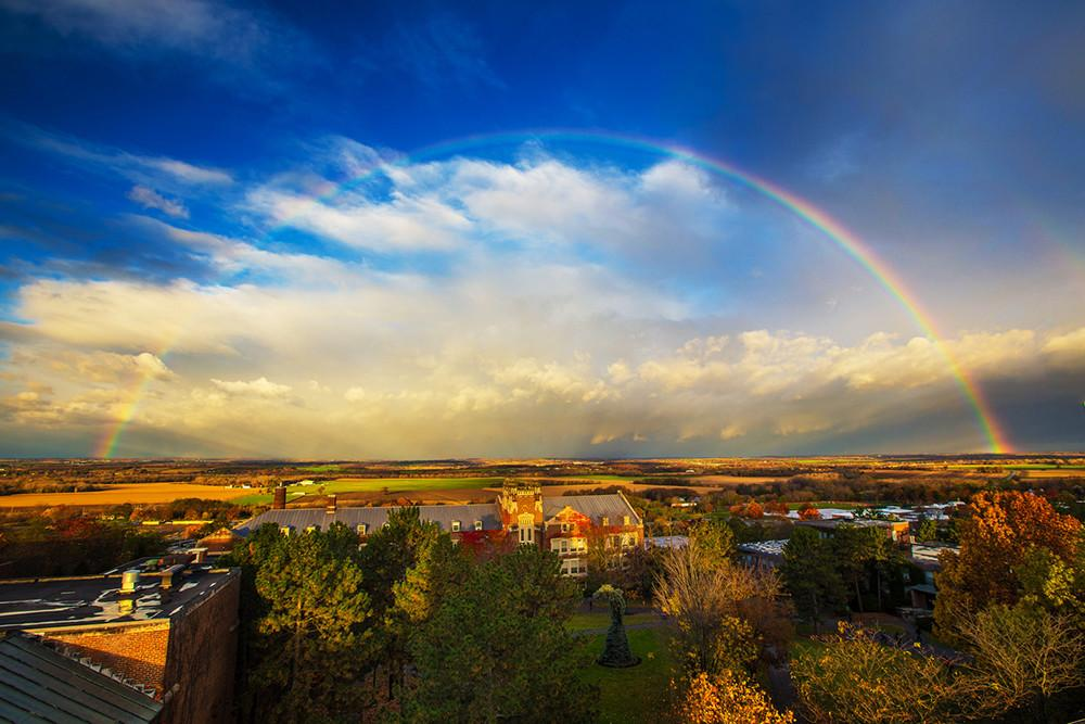 We may be biased, but isn't our campus easy on the eyes? (Photo by Keith Walters). #geneseo http://t.co/PV7ioMri3n