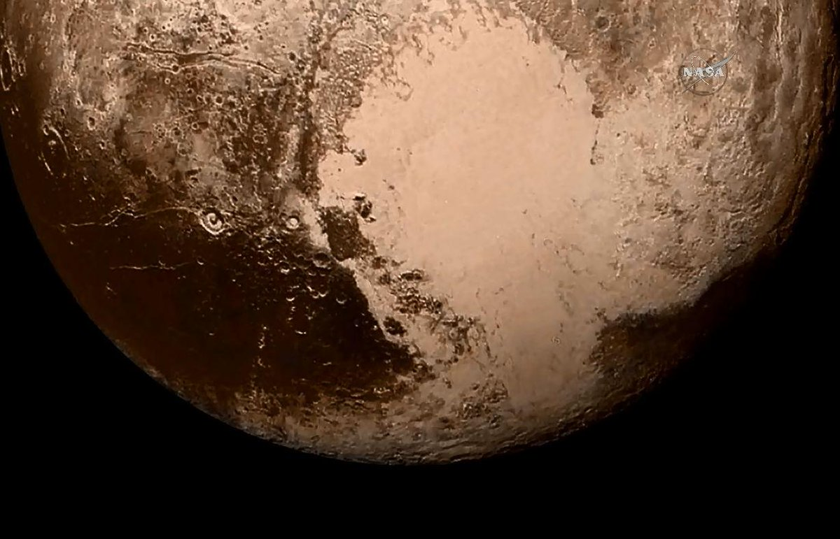Beautiful new hi-res shots of #Pluto. From @NASANewHorizons In true color it's really something to see... http://t.co/rHu2FuE6n3