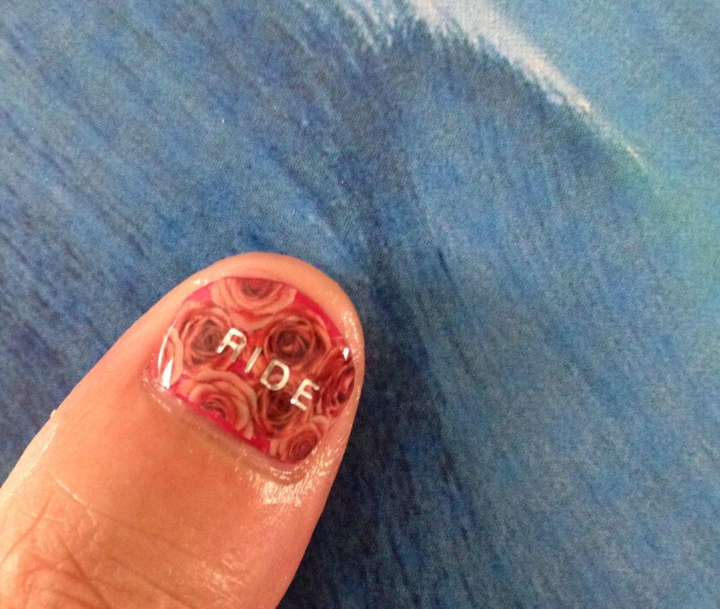 ネイルできた! 赤ライドね。 #fujirock #RIDE http://t.co/rDdkHpQeOB