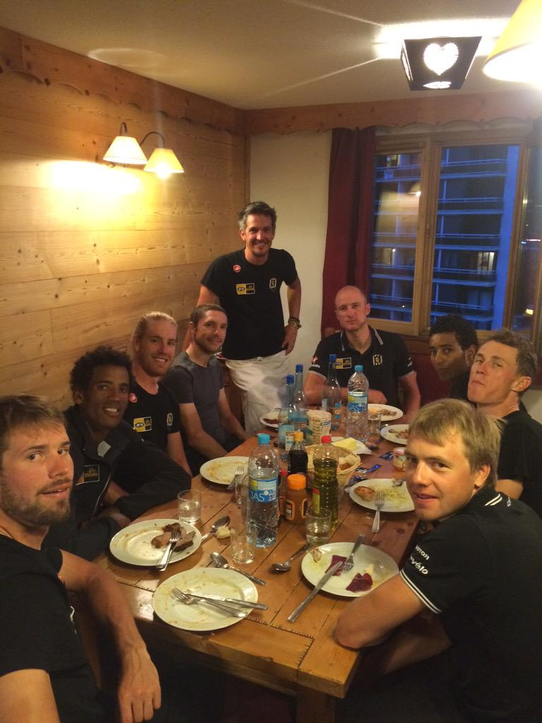 An incredible experience comes to an end. Thank you @TeamMTNQhubeka @Nederburg All the best to the lads for Duez. http://t.co/jkLRRwiGW8