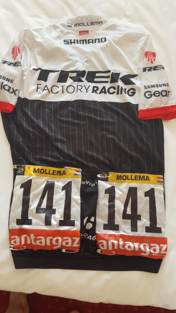 Do you want to win my @TrekFactory jersey with @letour numbers? Retweet this and you might be the lucky winner!! http://t.co/YVBrERZDkM