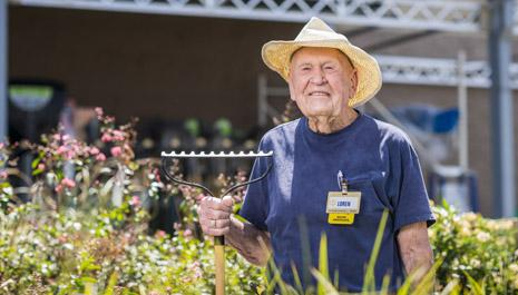 Happy 103rd birthday to our oldest associate, Loren Wade! We're so honored to have him as part of our Walmart Family. http://t.co/wdnjBkj5hg