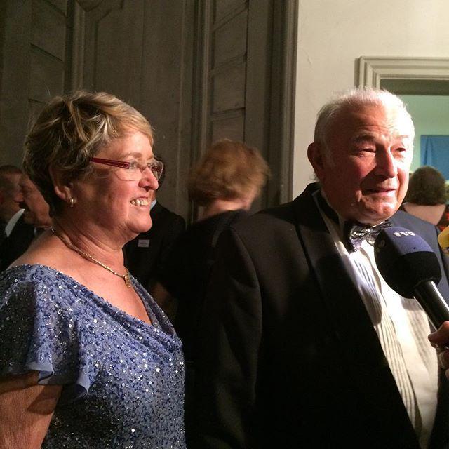 Dr. Günther Beckstein und Gattin #BayreutherFestspiele #Staatsempfang http://t.co/NzZKiC2hcy http://t.co/cmyAIqEdIe