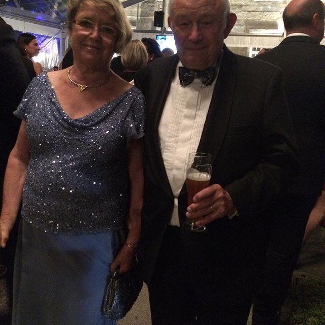 Dr. Günter Beckstein und Gattin #BayreutherFestspiele #Staatsempfang http://t.co/VWgh8NSETo http://t.co/O1rGKxkREt