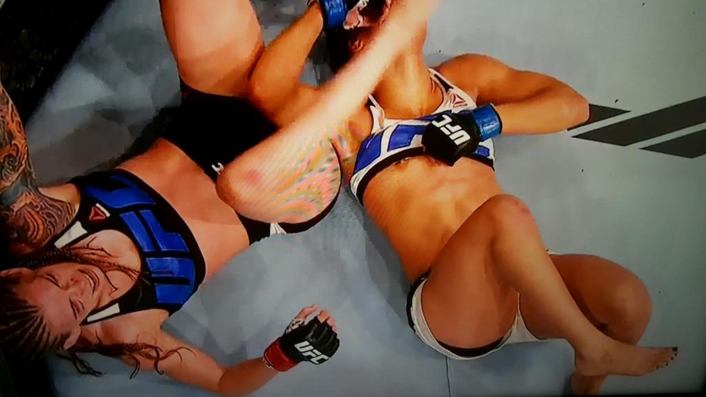 Hottest female ufc fighters you should follow