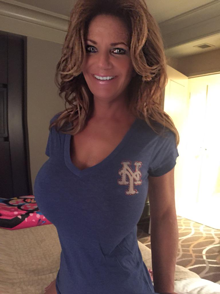 Deauxma Mature Blonde 35