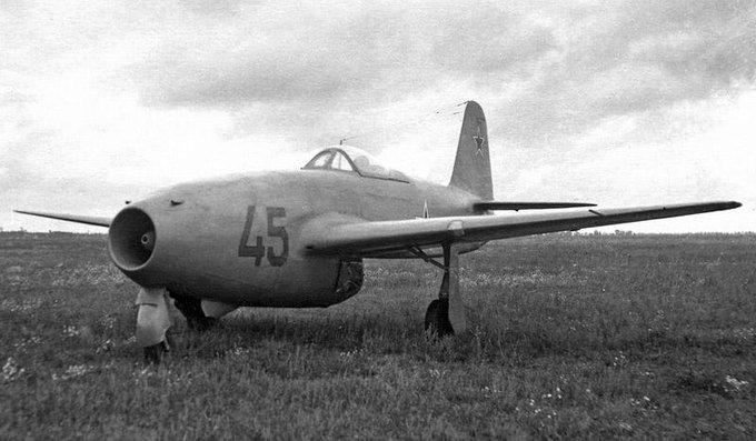 IL-2 M-82☭いりゅーしん(@Il2_Il...