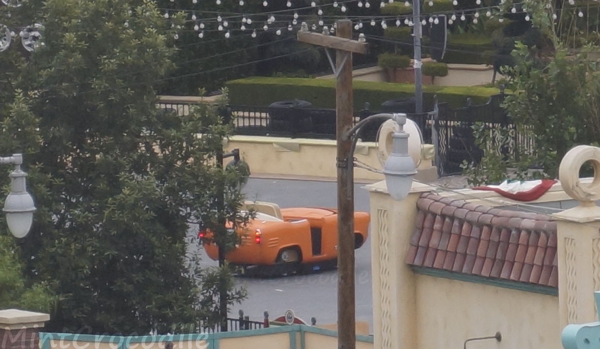 Some testing going on at Luigi's Rollickin' Roadsters #Disneyland #DisneyCaliforniaAdventure #CarsLand http://t.co/he3Yq4GmHq