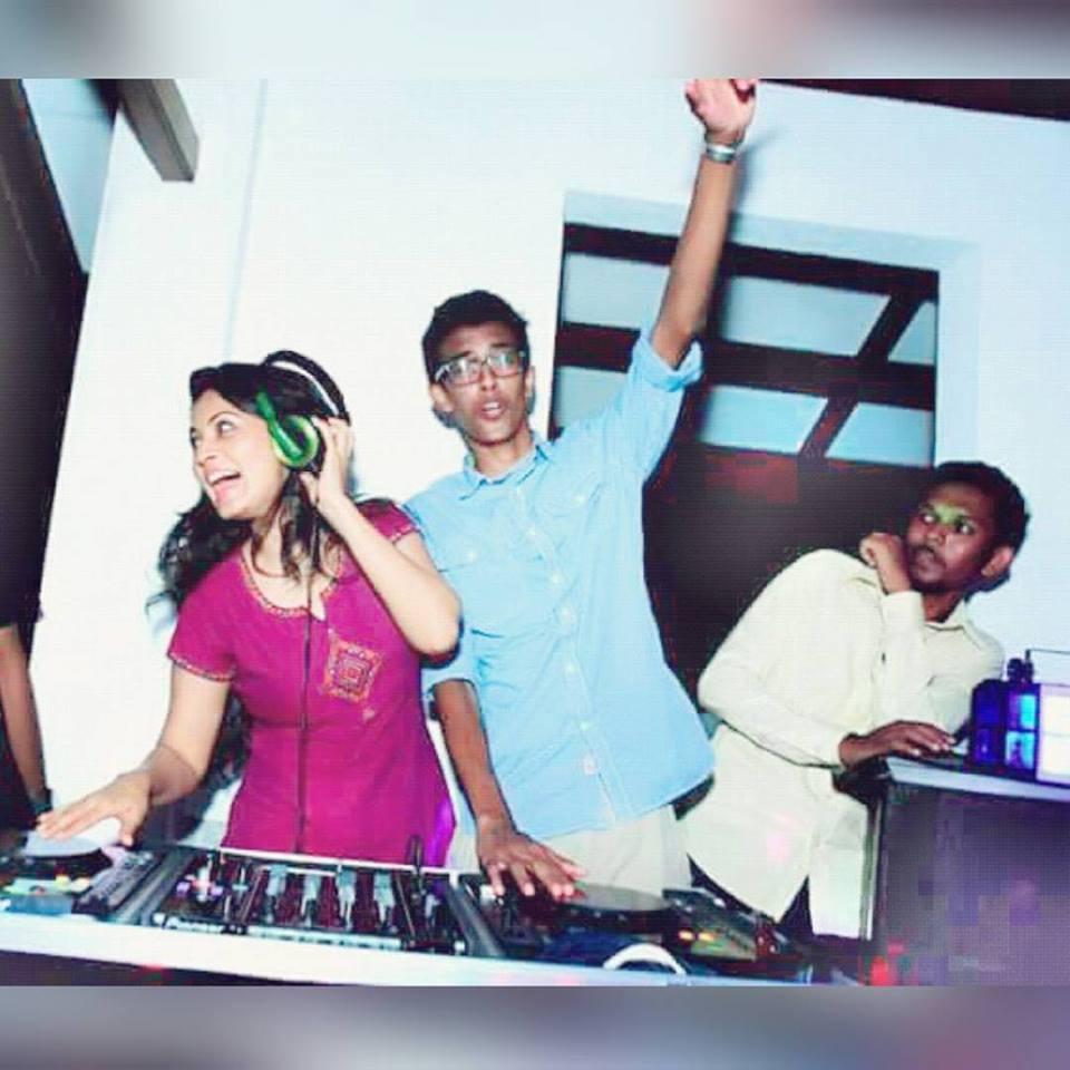 Pooja umashankar on twitter 1 2 3 4 get on the dance for 1 2 3 4 get on the dance floor mp3