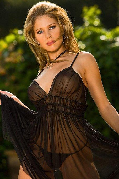 Happy #FlasbackFriday to my #Playboy #PhotoShoot 😻 @Playboy @PlayboyTV @PlayboyPlus #FriskyFriday @PlayboySocial