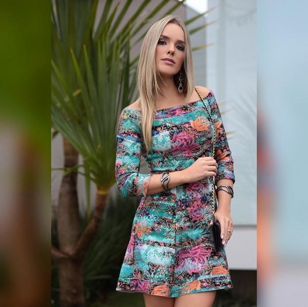 Resultado de imagem para looks da cantora da thaeme marioto  2017