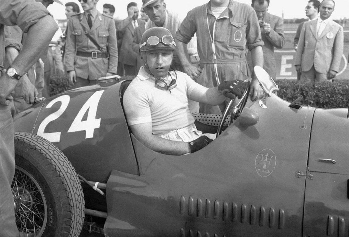 Test di Paternità: riesumata la salma dell'ex pilota Fangio