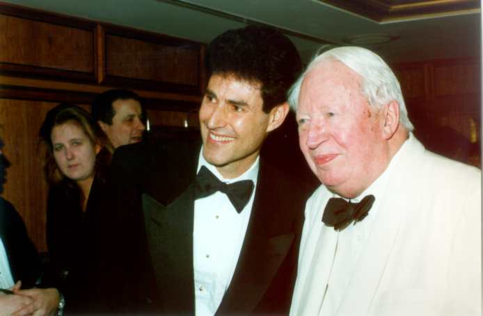 Sir Edward Ted Heath & Mr. Uri Geller close friendship. http://t.co/mI7F8i4fbd