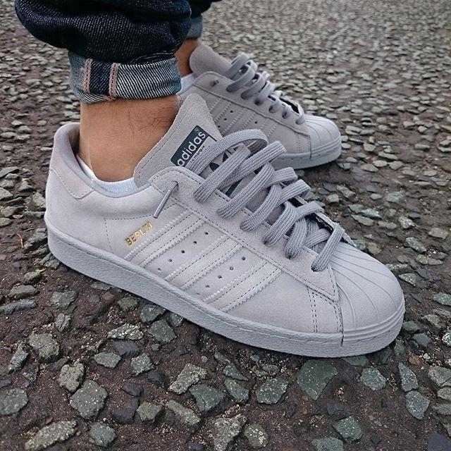 324bcbdbf Sneaker Shouts™ on Twitter