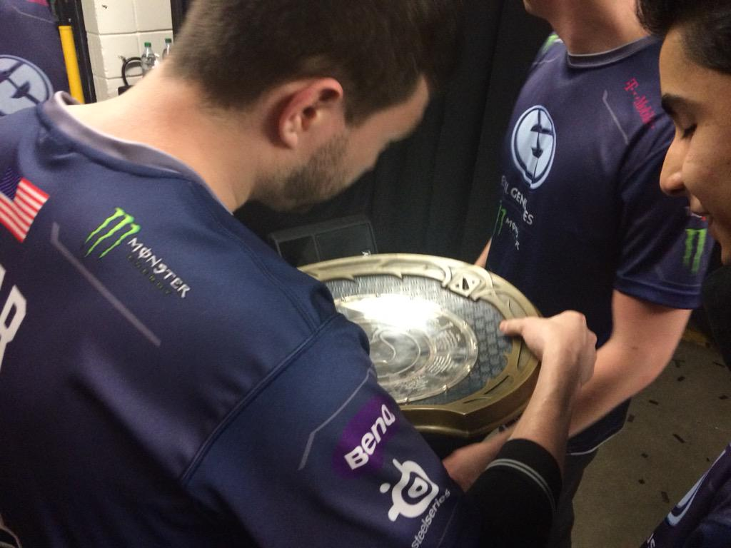 Sweet Victory! The International 2015 Champions @EvilGeniuses! #TI5 http://t.co/styaMO9An5