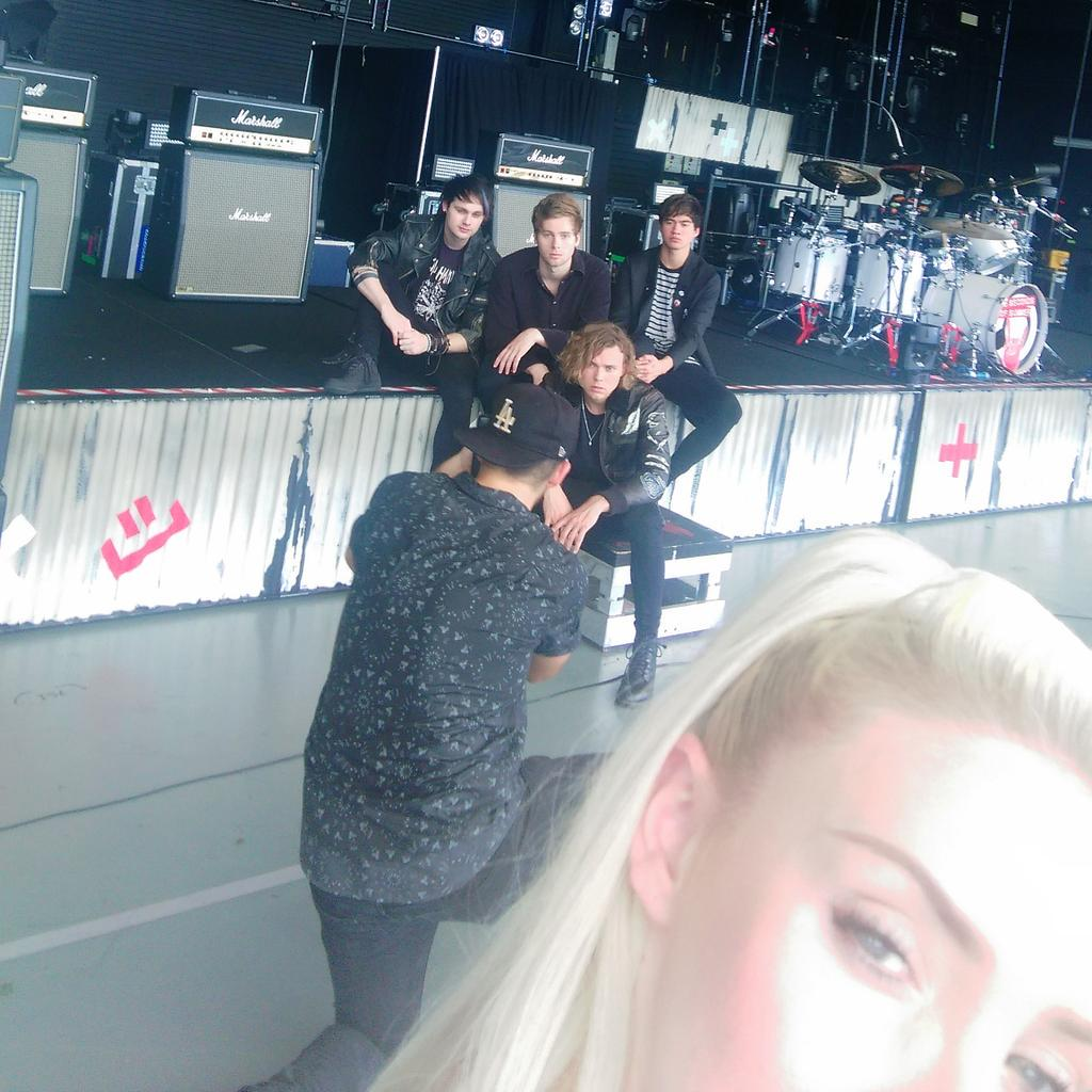 This would be a @5SOS on set selfie