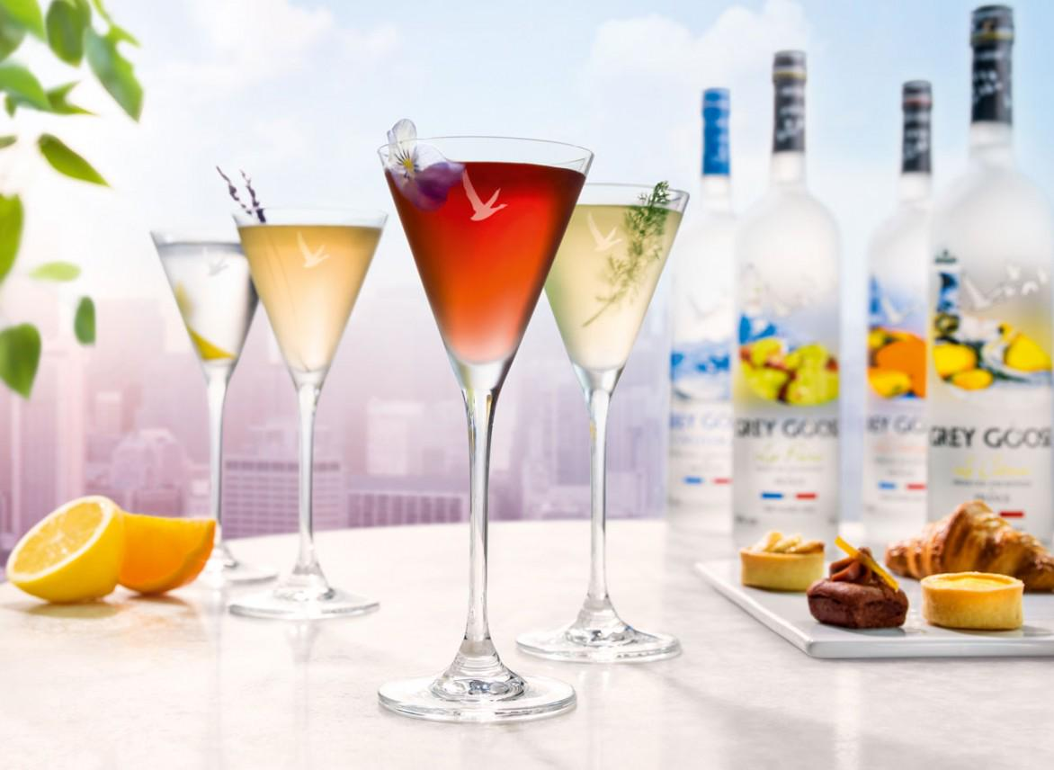 Discover the world of vodka martinis with @GreyGooseUK al fresco pop-up! #DigtheCity http://t.co/rSITZB2Ndx http://t.co/PItlzfLYxk