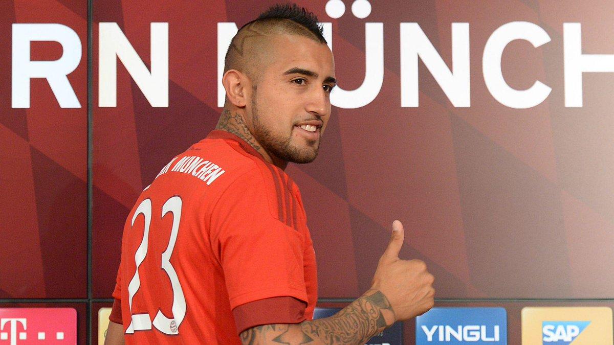 Arturo Vidal al Bayern Monaco saluta i tifosi della Juventus