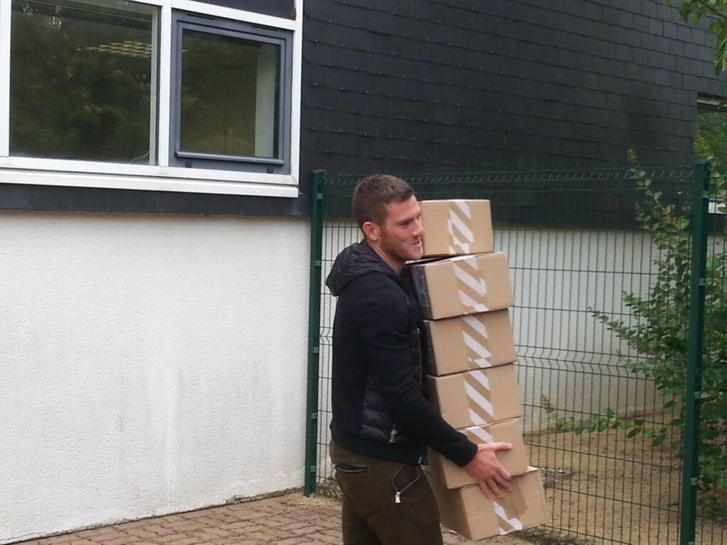 I understand Jordan Veretout may be on his way to #avfc He obviously is a box to box midfielder!!! http://t.co/g7jLzqBgp8