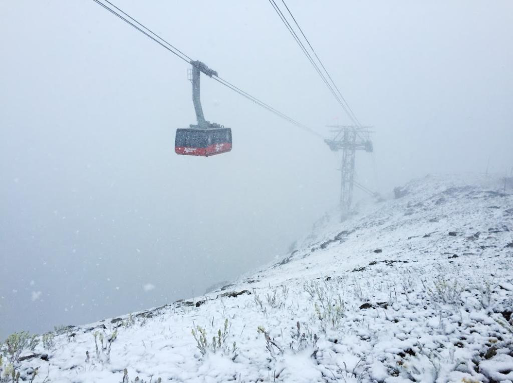 Rare July #snow in Wyoming/Montana yesterday. Photo: Jackson Hole - @peterlandsman http://t.co/nB3Am0Tp2W #WYwx #MTwx
