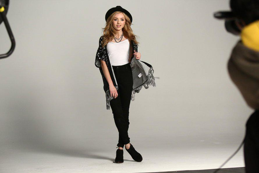 .@TeenVogue takes us BTS of @PeytonList's @BongoJeans fall campaign! Check out her looks here: http://t.co/LodlxhVKiq http://t.co/7KDGhgs412
