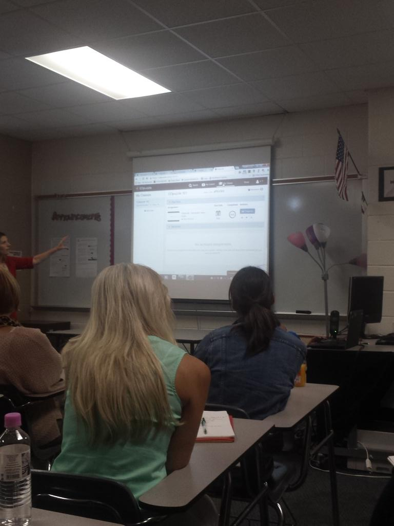 Math teacher can use @educreations @EDpuzzle to explain homework or difficult problems #cfisddlc @TCCA12 @awillery http://t.co/3h303grfca
