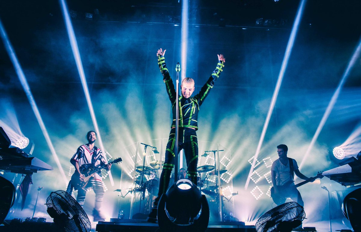 TONIGHT— @TokioHotel w/ @IIONEAR ft. @INGLSHofficial and @mxms! Doors: 7pm, all ages. Tickets: http://t.co/qtPTPP4mQ0 http://t.co/I9PQeVYPIz