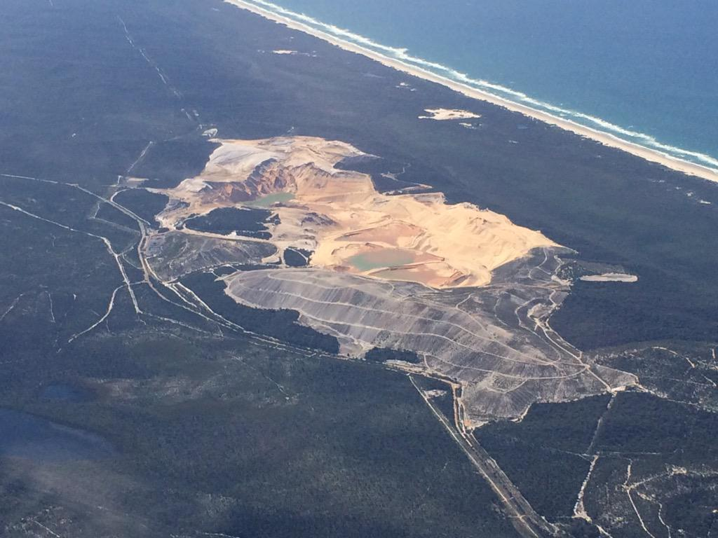 Calling all wind turbine haters. I'm having trouble identifying this gorgeous QLD mine? So many to choose from http://t.co/a7hEin2IBz