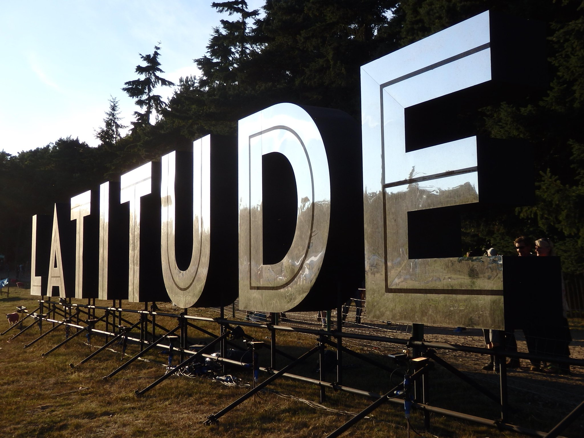 RT @BBCRadio3: #latejunction @BBCRadio3 @LatitudeFest go online for clips, pics and loads more  http://t.co/5s2zYfyY4z http://t.co/6fhauFK8…