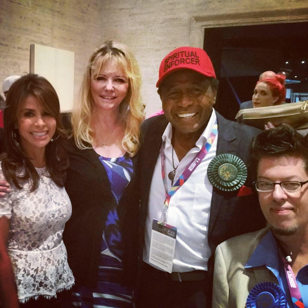 ❤️ my friends supporting @LA2015 @SpecialOlympics @PaulaAbdul @BenVereen @musical_wheels #ReachUpLA #SpecialOlympics http://t.co/rHrC85gZdC