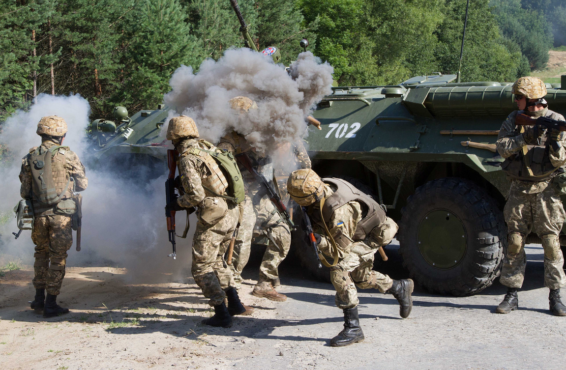 Как украинцы американцев воевать учили