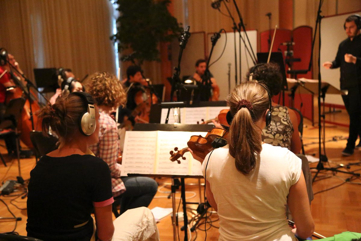 And just 10 hours after the concert ended, the Recording sessions started. We told you it was hectic! #HMW15 http://t.co/OebBATwS0M